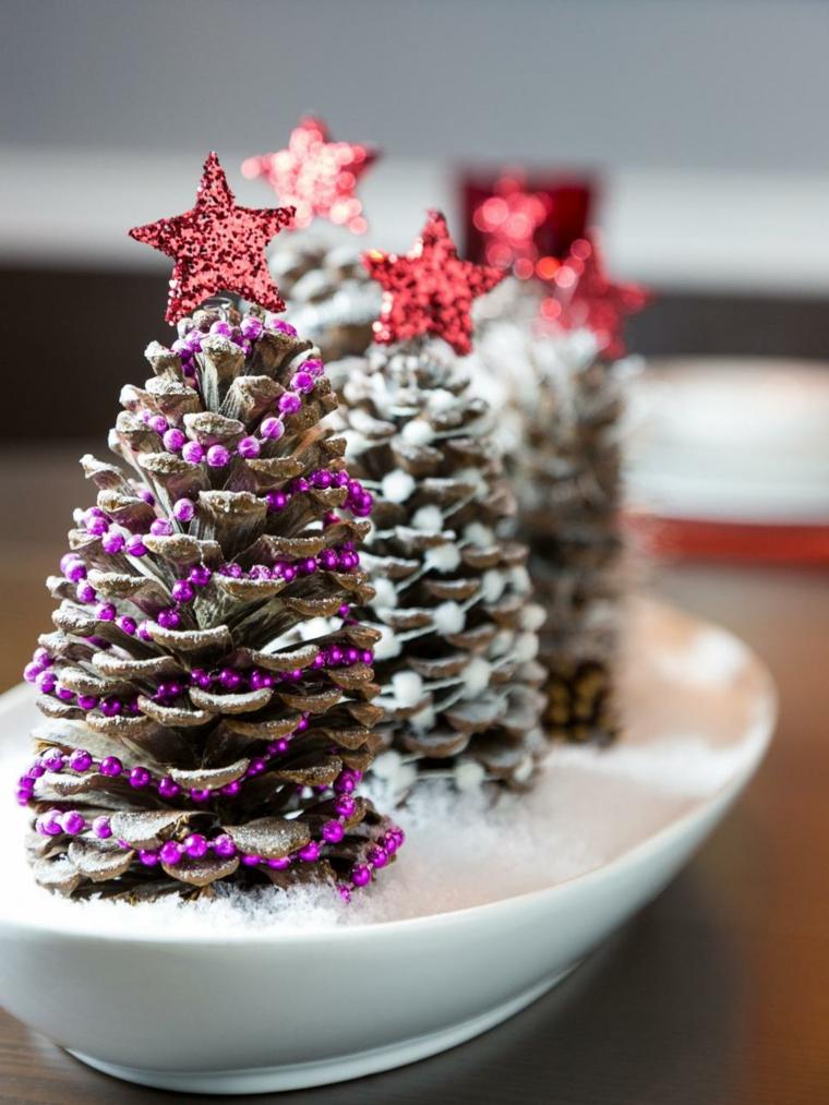 decoracion navidad pinos conos rojos