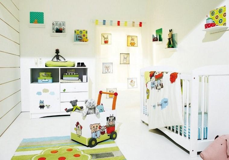 dormitorio de bebes estampas muebles blancos ideas