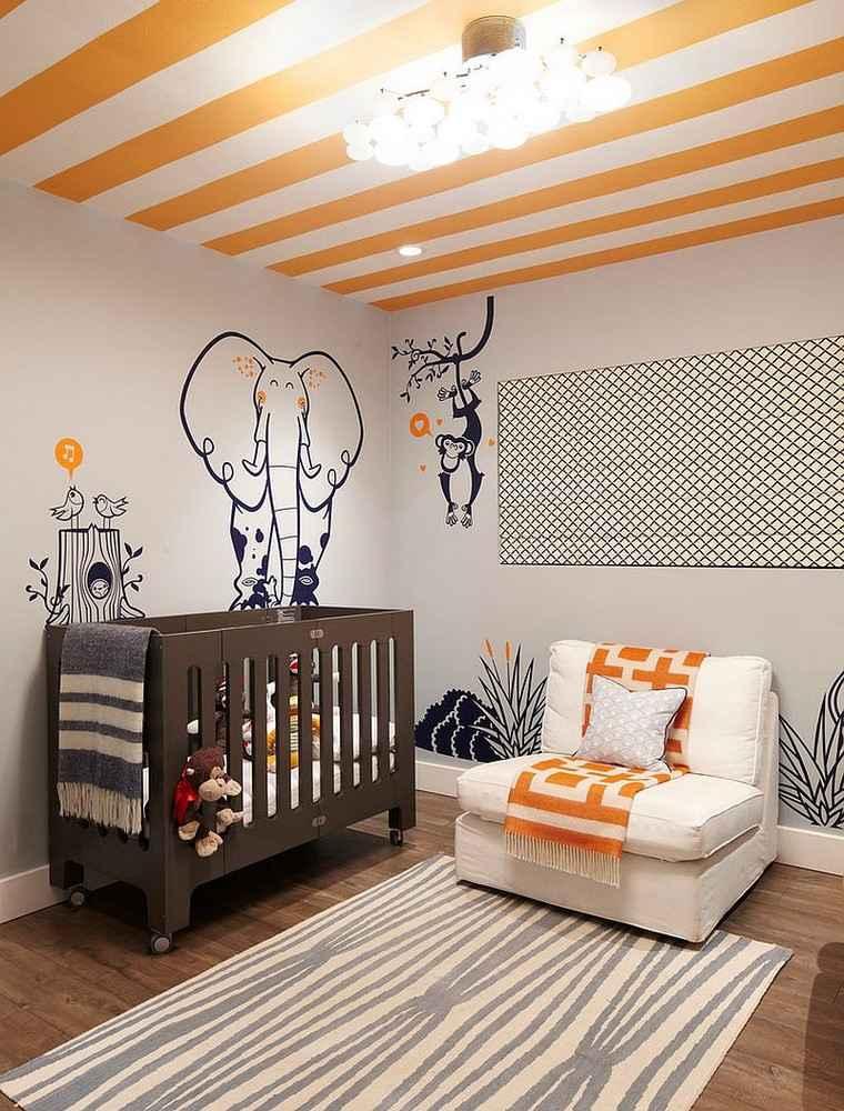 dormitorio de bebes techo rayas blanco naranja ideas