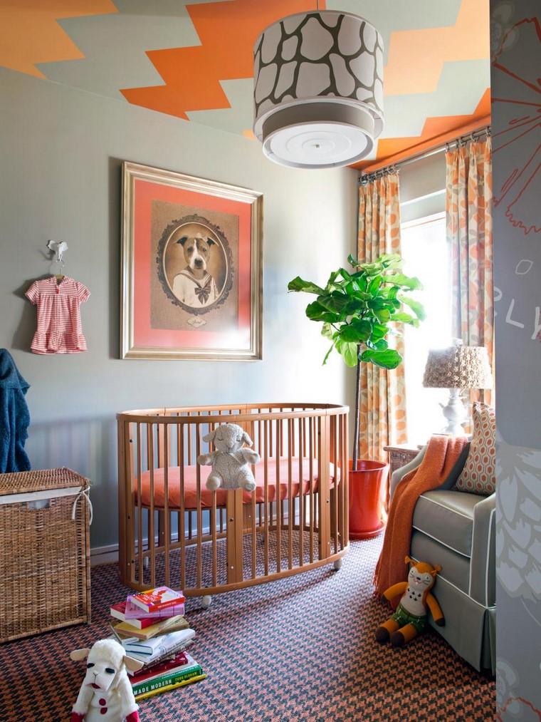 dormitorios de bebes cuna madera habitacion colorida ideas