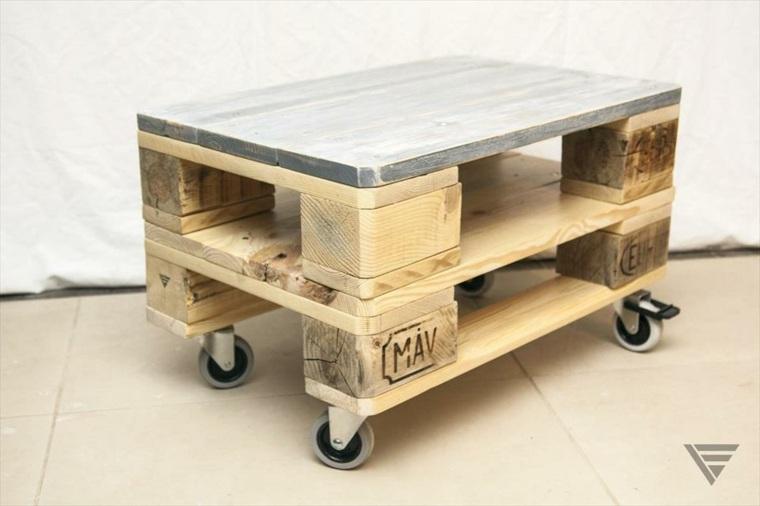 diseño taburete movil madera