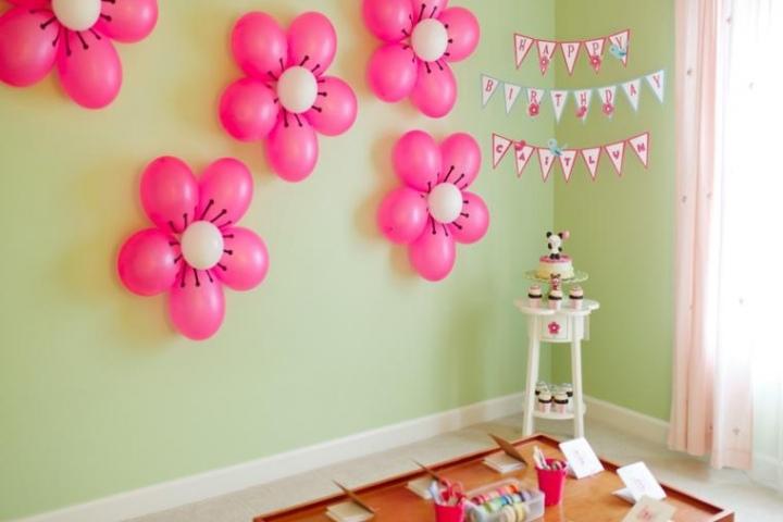 decoracion con globos para cumpleanos en casa