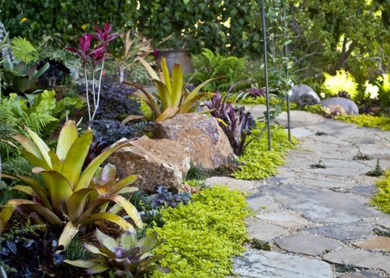 estupendo jardín flores colores