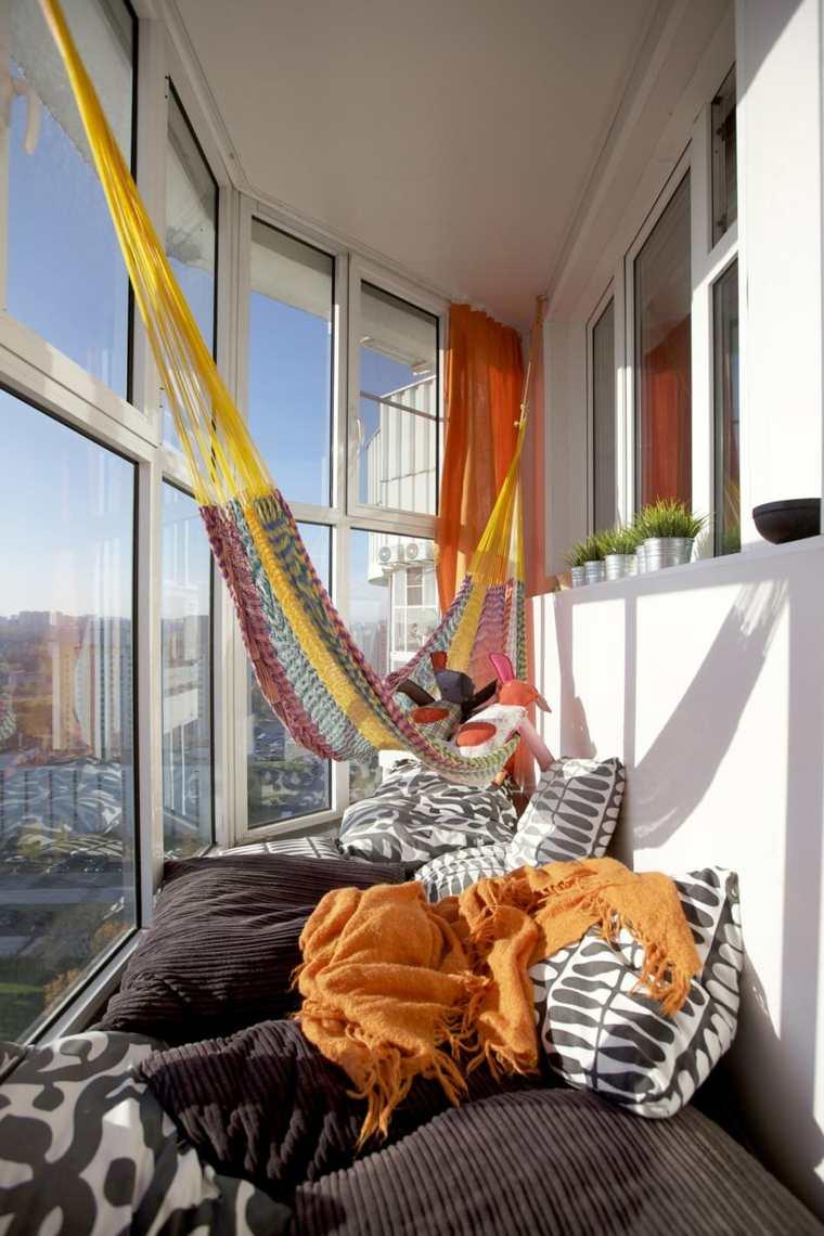 hamacas colgantes balcon pequeno diseno ideas