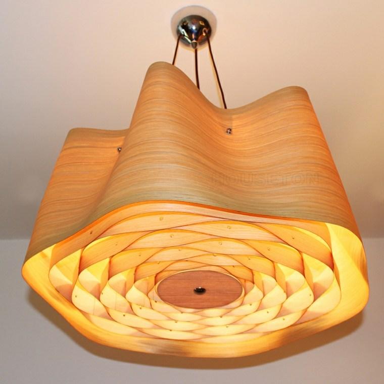 L mparas de madera colgantes para los interiores - Como decorar tulipas de lamparas ...