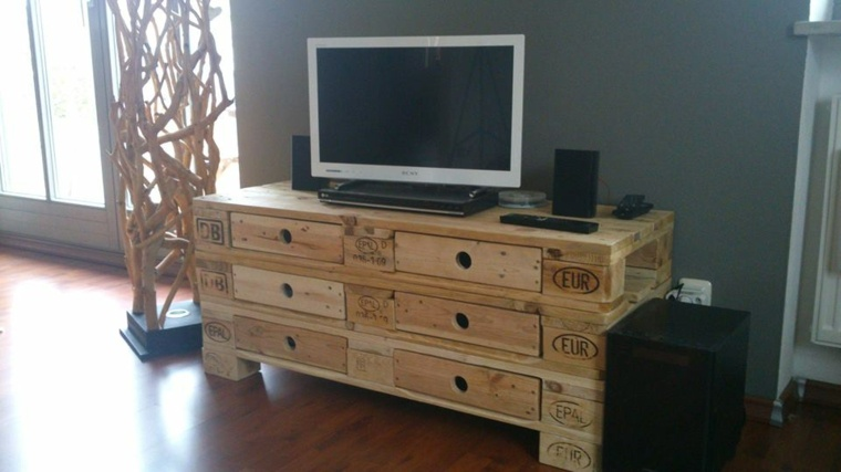 Europalet 42 ideas estupendas para muebles diy - Ideas mueble tv ...