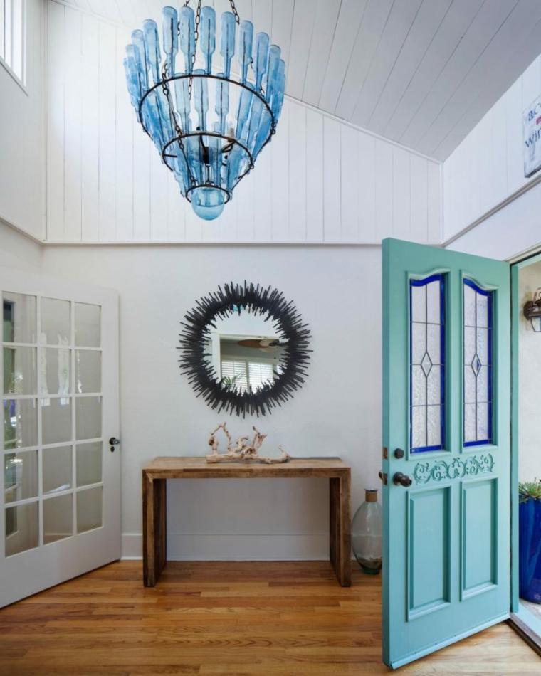 pasillo entrada puerta color azul