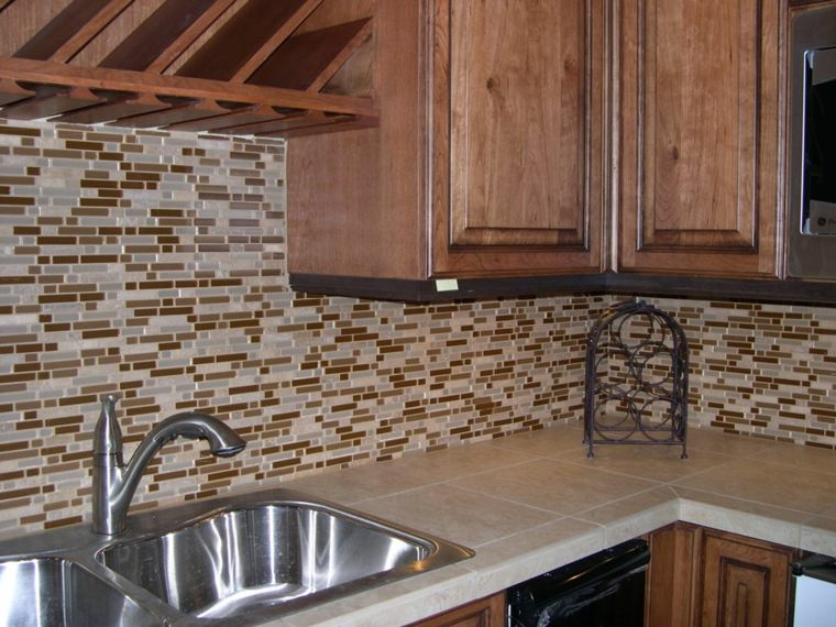 Pintar azulejos cocina para decorar vuestros interiores - Pintura para baldosas de cocina ...