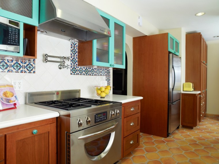Pintar azulejos cocina para decorar vuestros interiores - Pintura de cocina ...