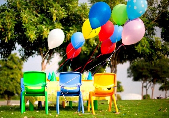 sillas exteriores balones colores muestras