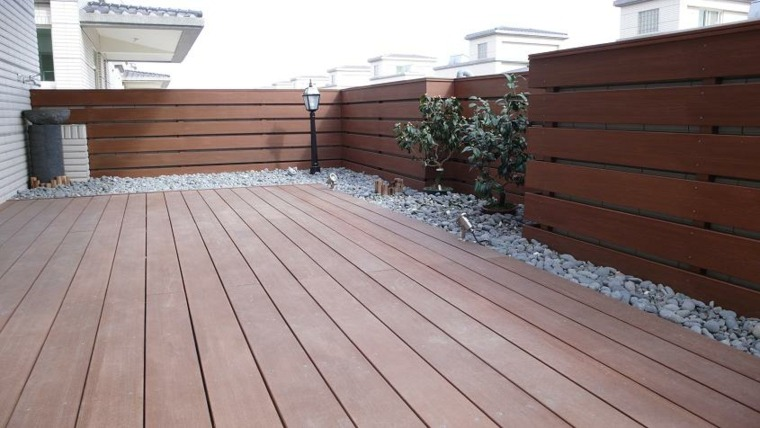 Suelos de exterior descubre las tendencias en dise o - Suelo exterior madera ...