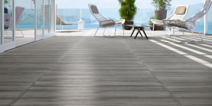 terraza suelos ceramica madera imitacion piscina