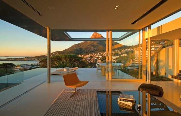 atardecer especial terraza muebles cristales