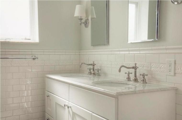Azulejos blancos de estilo metro en ba os y cocinas - Azulejos cuarto de bano ...
