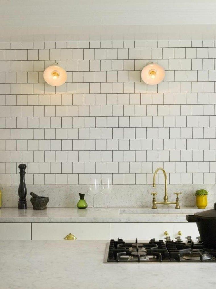 Azulejos Blancos De Estilo Metro En Banos Y Cocinas