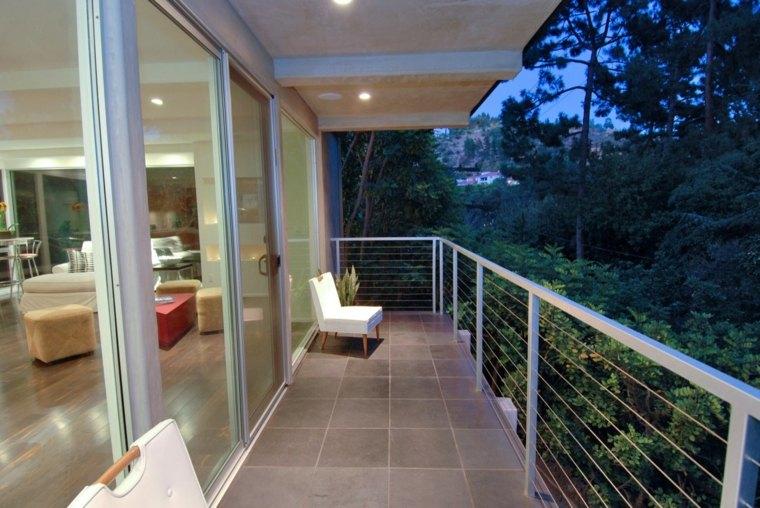 Balcones decoraci n para lugares estrechos y largos for Balcones minimalistas fotos