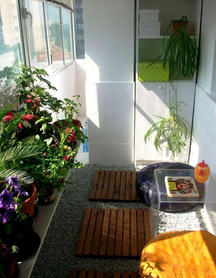 Balcones decoraci n para lugares estrechos y largos for Muebles para balcones y terrazas