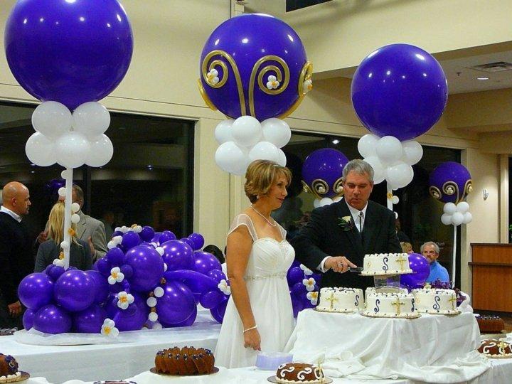 bodas contrastantes elegantes muebles flores