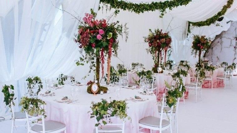 bodas sala recepcion flores mesa decoracion diseno ideas