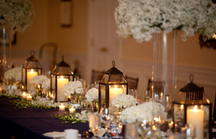bonita decoración mesa linternas