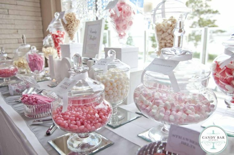 bonita mesa dulces caramelos