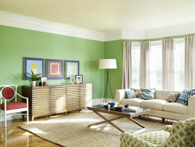bonito salón pared verde