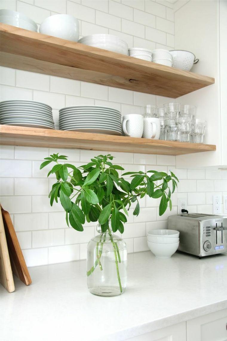 bonito salpicadero cocina azulejos blancos