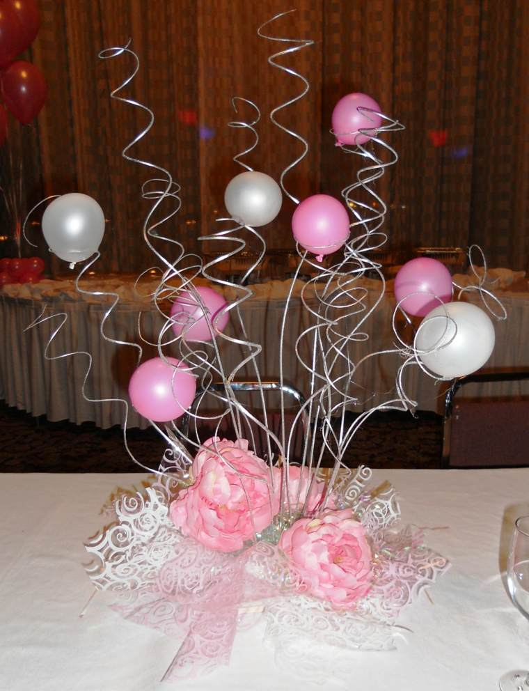 Centros de mesa con globos para decorar en fiestas for Air filled balloon decoration ideas