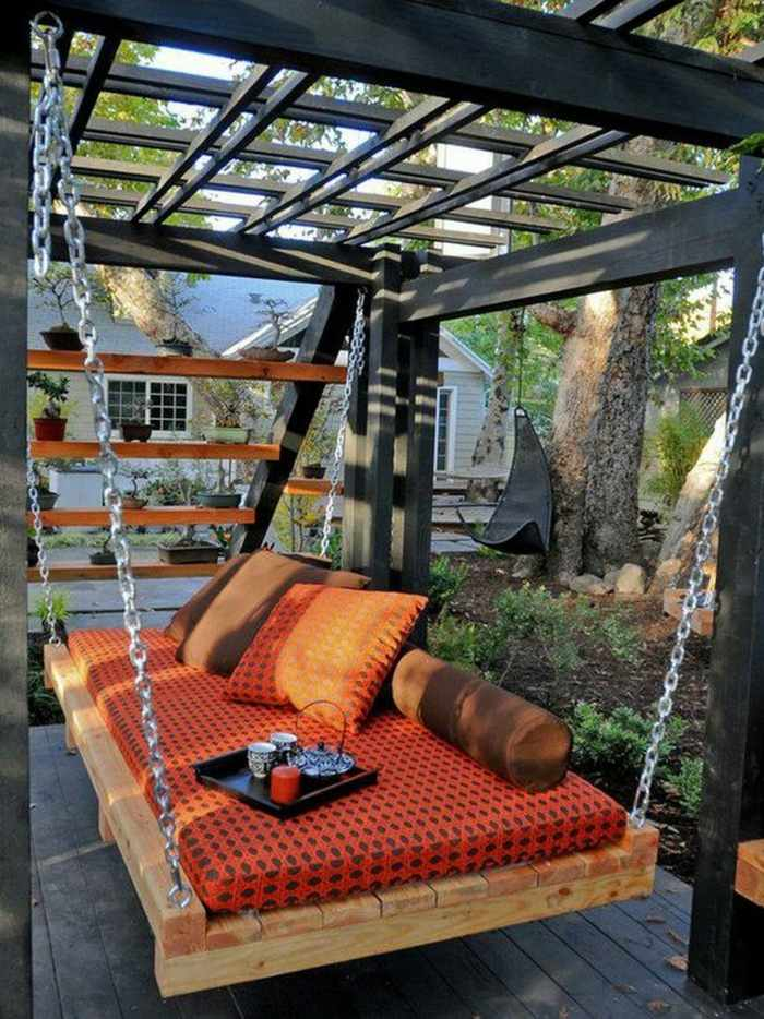chill out palets muebles pergola negra cama columpio ideas