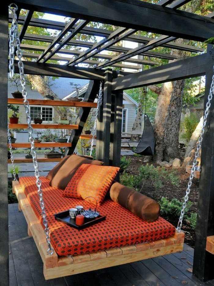 chill out palets muebles pergola negra cama columpio ideas