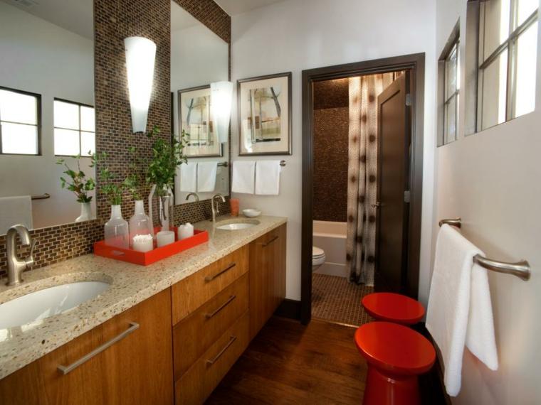 cuadros baño neutral tonos madera plantas