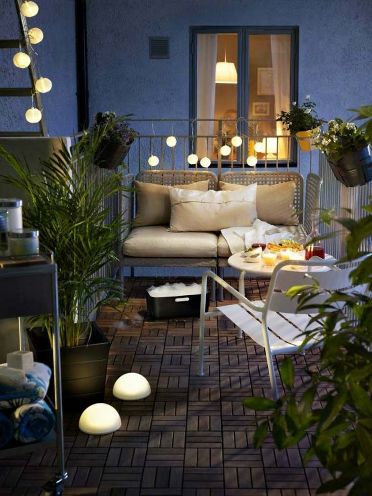 decorar balcon pequeño chill out exteriores guirnalda ideas