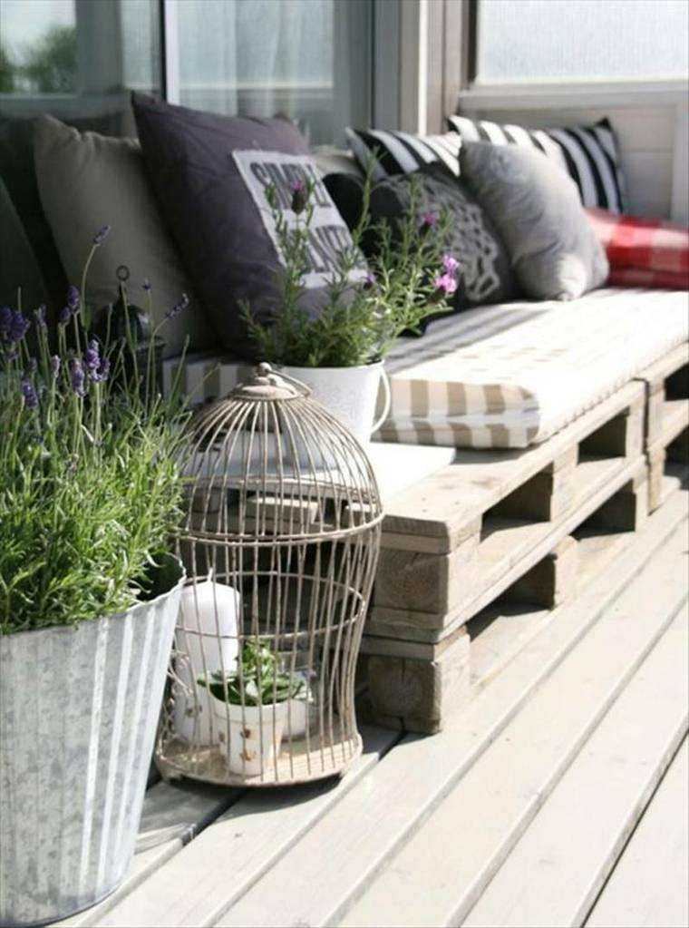 decorar balcon pequeño chill out exteriores palets ideas