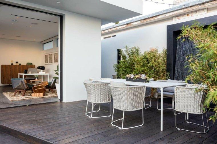 disenos de terrazas exteriores muebles sillas blancas ideas