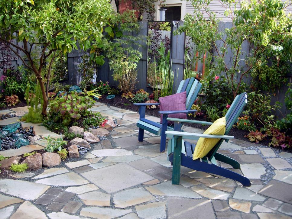 disenos de terrazas exteriores sillas madera espacio descanso ideas
