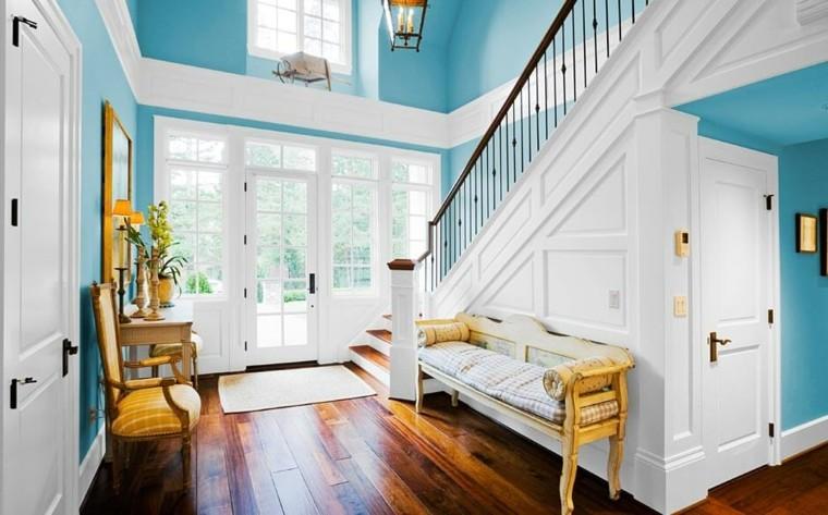 entrada color azul y blanco