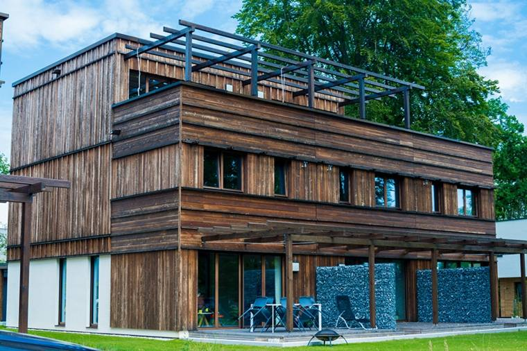 fachadas de casas de pueblo interesantes