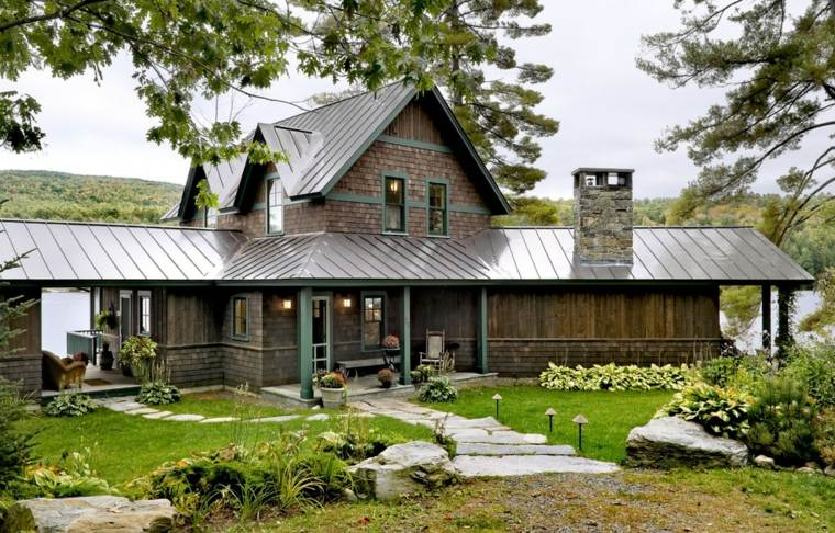 fachadas de casas de pueblo montana