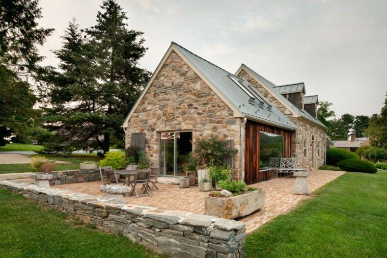 Fachadas de casas de pueblo ideas para decorar for Viviendas pequenas