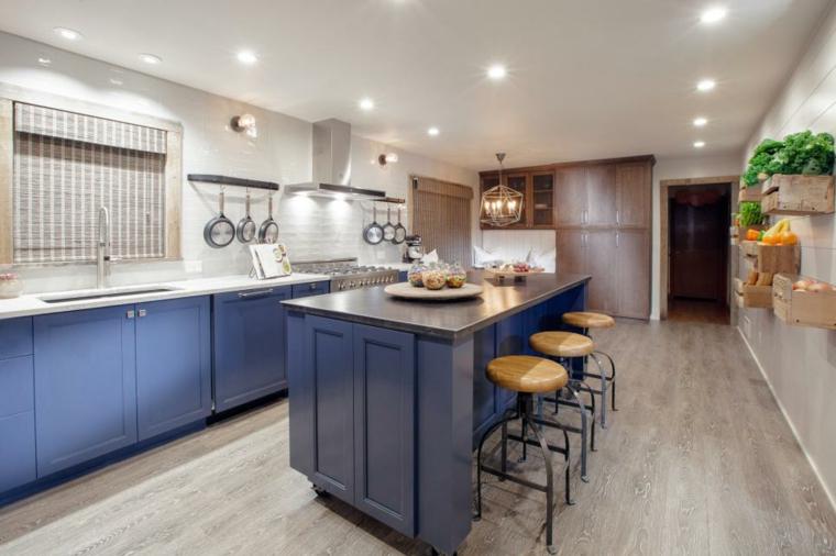 fresca cabinetes azules tapadas ajustado