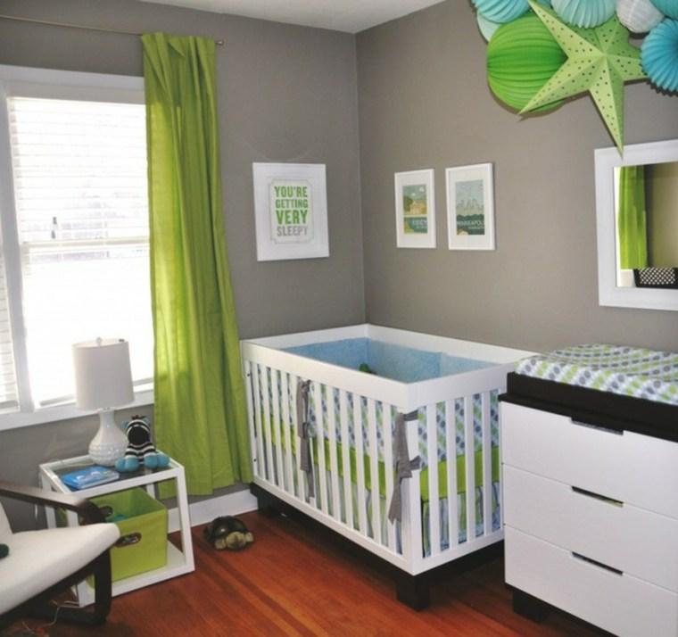 habitación de bebé niña decorada
