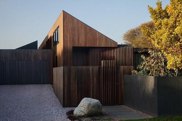 la casa modesta diseñada Coy Yiontis Architects bonita valla ideas