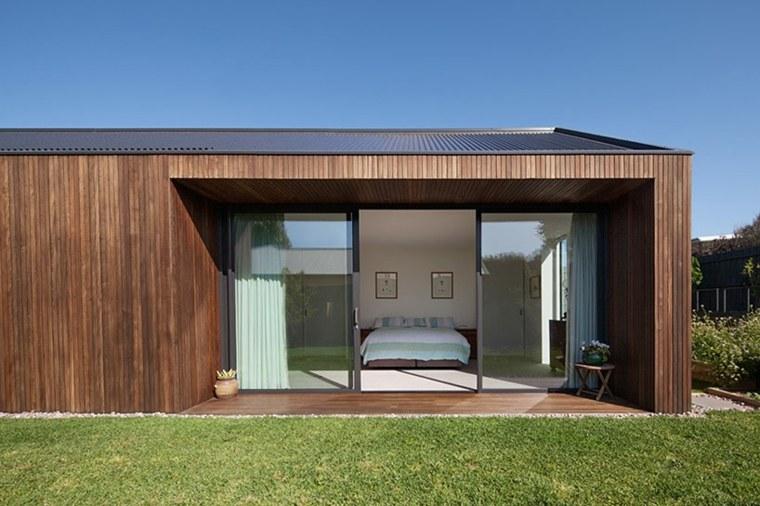 la casa modesta diseñada Coy Yiontis Architects ventanas ideas