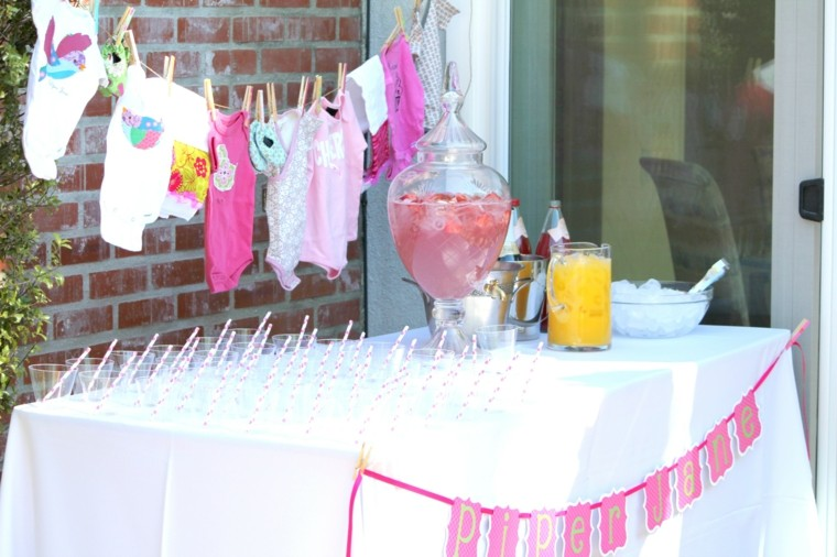 mesa ropita bebe decora