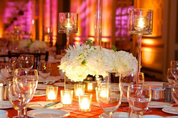 mesas-dulces-bodas-diseno-flores-blancas-velas