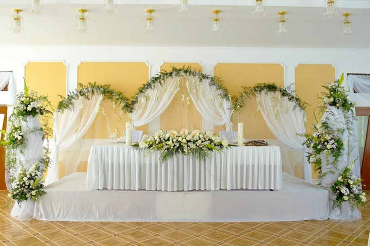 mesas dulces bodas diseno flores blancas ideas