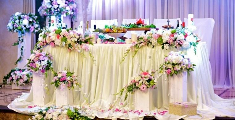 mesas dulces bodas diseno flores ideas