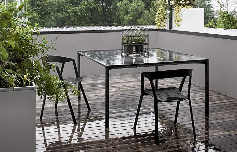 muebles negros terraza diseno original Kristalia ideas