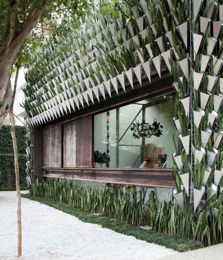 original fachada con plantas