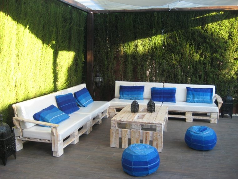 diseño de zona chill out con palets